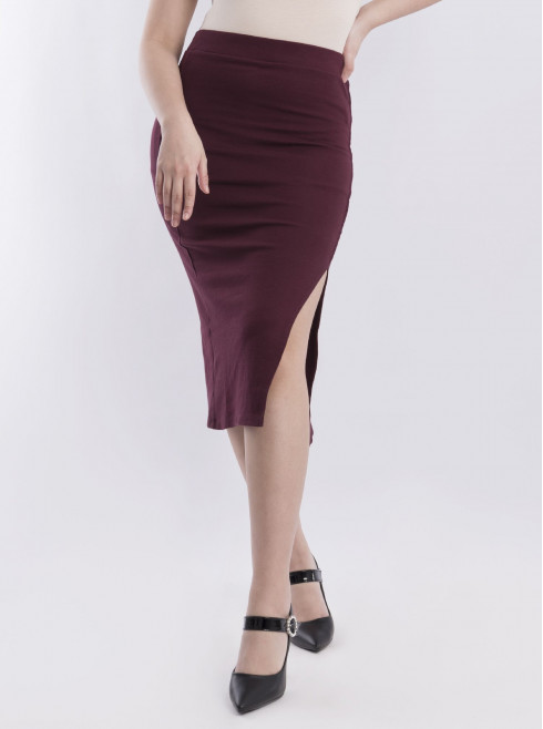 Fitted 3/4 Skirt.