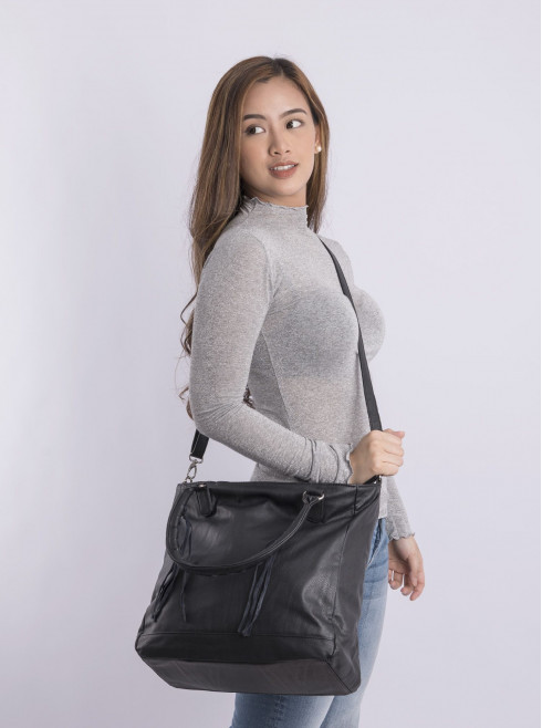 Faux leather hand bag with strap