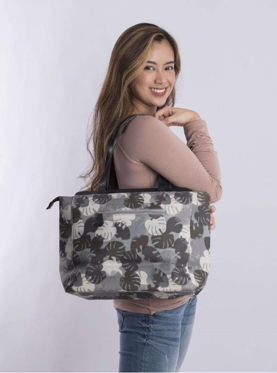Faux leather semi varnished bag